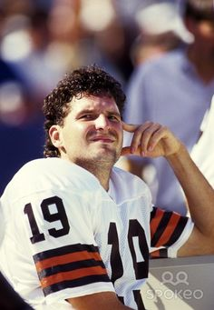 CLEVELAND — Former Browns quarterback Bernie Kosar has been arrested on drunken driving charges in suburban Cleveland.