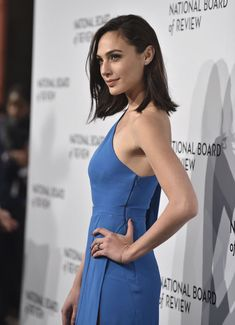 Gal Gadot ( Her husband is a very lucky man! Girl Celebrities, Beautiful Celebrities, Beautiful People, Celebs, Beautiful Women, Gal Gadot Wonder Woman, Georgia Girls, Woman Crush, Role Models