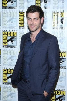 David Giuntoli Elenco de Grimm na Comic-Con 2014 - Fotos - Grimm - Universal Channel
