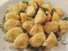 Zelné knedlíky Czech Recipes, Ethnic Recipes, Dumplings, Gnocchi, Main Meals, Bellisima, Bon Appetit, Bread Recipes, Cooking Tips
