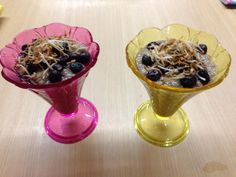 Twitter / noosafitpt: @Tosca Reno look! Banana chia pudding with blueberries and toasted coconut. Mmmmm