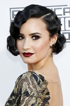 Pin Curls Is Your Grandma's Favorite Hair Styling Move the Key to Bombshell Waves? Evening Hairstyles, Retro Hairstyles, Party Hairstyles, Short Hairstyles For Women, Wedding Hairstyles, Medium Hairstyles, Ponytail Hairstyles, Demi Lovato Hair, Demi Lovato Body