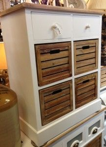 £195 Multi drawer chest white. Two white drawers, four brown box drawers.