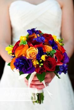 colorful bouquet | orange/bleu/vert/turquoise/corail #TealWeddingIdeas