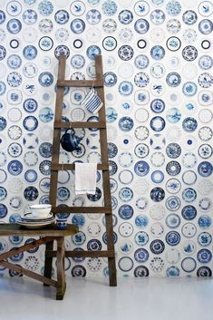 At the Studio Ditte porcelain wallpaper you will find a beautiful collection of blue tableware. Different shades of blue and graceful scenes gives the wallpaper a nice old Dutch feeling. The modern pattern makes it a wall decoration from today for any con New Furniture, Furniture Making, Look Wallpaper, Vintage Crockery, Blue Plates, Contemporary Interior, Vintage Home Decor, Vintage Ideas, Delft