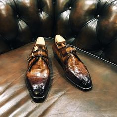 Sprezzatura-Eleganza | edetalsg:   Bespoke single monks with an orange...