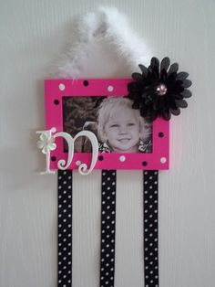 How much time have you lost searching for hairbows? Lose them no more with this perfect accessory for your little girls hairbow collection.