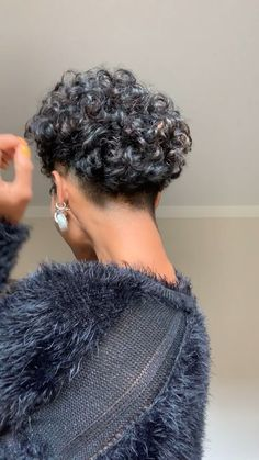 Curly Mohawk Hairstyles, Curly Pixie Haircuts, Curly Hair Cuts, Cute Hairstyles For Short Hair, Short Hair Cuts, Curly Hair Styles, Natural Hair Styles, Tapered Natural Hair, Hair Videos