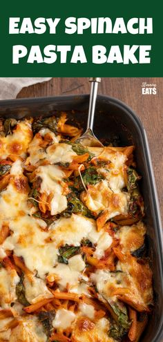 Simple delicious Spinach Pasta Bake - quick and easy to make pasta dish with healthy fresh spinach and a homemade tomato sauce. Pasta Bake Sauce, Vegan Pasta Bake, Tomato Pasta Bake, Vegetable Pasta Bake, Spinach Pasta Bake, Baked Recipes Vegetarian, Healthy Eating Recipes, Veggie Recipes, Beef Recipes