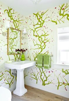 A Cape Cod house with hand painted walls, interior design by Maureen Footer. Decorative painting: Elizabeth Mandy for Elizabeth Hargraves Inc. Powder Room Design, Hand Painted Walls, Cool Wallpaper, Green Wallpaper, Wallpaper Wallpapers, Wall Treatments, Traditional House, Traditional Bathroom, Amazing Bathrooms