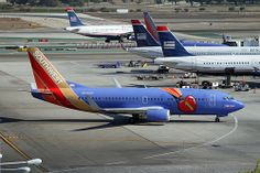 Special Livery - Southwest Airlines, Triple crown, Boeing 737-300