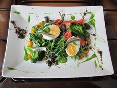 Petit salade de Hivier roquette broccoli et oeuf dur avec anchois, quelques  sauces Gino D'Aquino