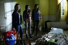 "Pretty Little Liars RECAP 1/21/14: Season 4 Episode 16 ""Close Encounters""  #PLL #PrettyLittleLiars"