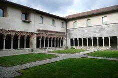 Il chiostro di Voltorre - Gavirate - Varese - di piero mazzi