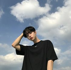 ulzzang 얼짱 boy sky cute kawaii adorable korean pretty beautiful hot fit japanese asian soft aesthetic 男 男の子 g e o r g i a n a : 人 Cute Asian Guys, Cute Korean Boys, Korean Men, Asian Boys, Hot Asian Men, Korean Girl Ulzzang, Couple Ulzzang, Beautiful Boys, Pretty Boys