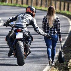 Via: @ --- Click bio link to know shoutout rates . Please Comment your brothers below ! Motorbike Girl, Motorcycle Bike, Lady Biker, Biker Girl, Monster Energy Girls, Dirt Bike Girl, Hot Bikes, Biker Chick, Super Bikes