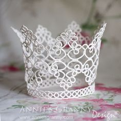 Tatted bridal crown by AnniesGranny Design - pattern by Gun Blomqvist and Elwy Persson