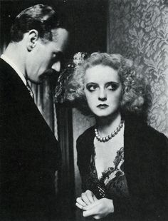 Bette Davis with Leslie Howard : Of Human Bondage (1934)