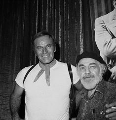 Charlton Heston pictured with Edward G. Robinson, set of the film Soylent Green. Hollywood Actor, Golden Age Of Hollywood, Charleton Heston, Soylent Green, Famous Movies, Treasure Island, Real Men, Movie Characters, Classic Movies
