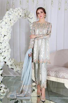Dahlia Teal Outfits, Indian Outfits, Pakistan Fashion, India Fashion, Stylish Dresses, Nice Dresses, Pakistani Dresses, Pakistani Suits, Punjabi Suits