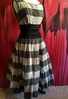 Sale Black and White Dress Classic Vintage by OliveOilVintage