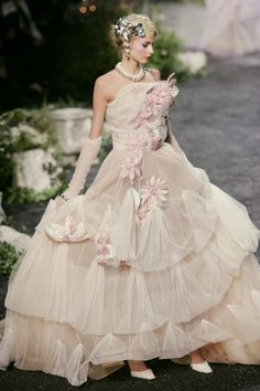 John Galliano for The House of Dior, Autumn/Winter Haute Couture Dior Haute Couture, Christian Dior Couture, Christian Dior Vintage, Christian Lacroix, John Galliano, Galliano Dior, Dior Fashion, Fashion Week, Couture Fashion