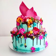 The Unbirthday Bakery. I don't know why i love these cakes but i do. Think i just want to celebrate with a bang. And bang = colour!