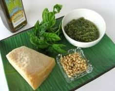 Sauce Pesto, Basil Sauce, How To Make Pesto, Salty Foods, Lunches And Dinners, Easy Dinners, Palak Paneer, Healthy Recipes, Healthy Meals