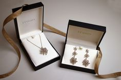 Snowflake pendant and earrings in 18K Noble Gold and cognac diamonds. #holidays