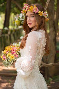 Bridal Gowns Simple Sophisticated Bride 25 Ideas For 2019 Casual Groom Attire, Casual Grooms, Bohemian Wedding Dresses, Boho Wedding, Wedding Bride, Summer Wedding, Bridal Gowns, Wedding Gowns, Flower Crown Hairstyle