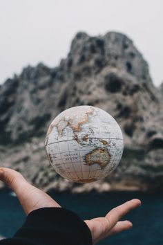 A floating globe with girls hands near to mountain and river nature wallpapers. - A floating globe with girls hands near to mountain and river nature wallpapers. Globe Photography, Creative Photography, Travel Photography, World Globe Map, World Globes, Map Globe, Travel Wallpaper, Nature Wallpaper, Globe Wallpaper