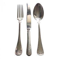 VINTAGE bestick FRANSKA LILJAN set av gaffel, kniv och sked http://www.dukat.se/product/vintage-bestick-franska-liljan