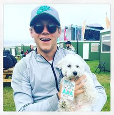 Niall with a cute puppy is bae!