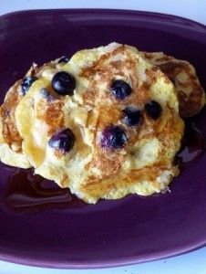 Blueberry Banana Pancakes (Breakfast)Awesome, 1 banana, 1 egg and blueberries