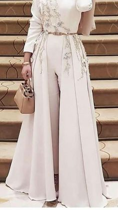 Muslim Fashion 342766221635234677 - Caftan pantalon Source by Evening Dress Long, Hijab Evening Dress, Hijab Dress Party, Evening Dresses, Hijab Outfit, Islamic Fashion, Muslim Fashion, Modest Fashion, Fashion Dresses