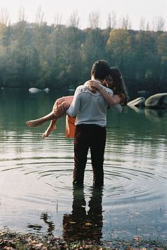 sweet lake forest outdoor nature love romance hold in your arms embrace couple. Awwww I love this! Engagement Couple, Engagement Pictures, Engagement Shoots, Wedding Pictures, Engagement Ideas, Hipster Engagement Photos, Shooting Couple, Couple Posing, Couple Shoot