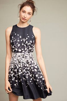 Slide View: 1: Printed Petalburst Dress