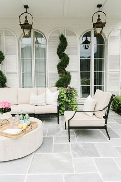 With this patio decoration ideas, you'll transform your space turning into an oasis to spend time with your loved ones this summer. You will find great patio ideas on a budget, small outdoor decoration ideas, garden ideas diy, etc. Backyard Decor, Outdoor Living Space, Backyard Design, Outdoor Decor, Patio Design, Outdoor Space, Home, Patio Furniture, House Exterior