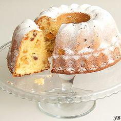 Almond Apricot Bundt Cake with Amaretto soaked raisins. (in Dutch with translator) Pie Cake, No Bake Cake, Cake Cookies, Cupcake Cakes, Bundt Cakes, Cupcakes, Baking Recipes, Cake Recipes, Sweet Pie