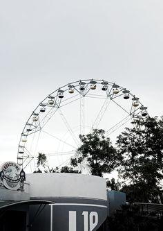 the huge wheel of nerve-wracking memories Ferris Wheel, Fair Grounds, Memories, Black And White, Travel, Memoirs, Souvenirs, Viajes, Black N White