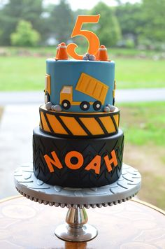 Construction cake by But A Dream Custom Cakes 2nd Birthday Party Themes, Themed Birthday Cakes, Themed Cakes, 3rd Birthday, Kids Construction Cake, Construction Birthday Parties, Digger Cake, Cakes For Boys, Cupcakes