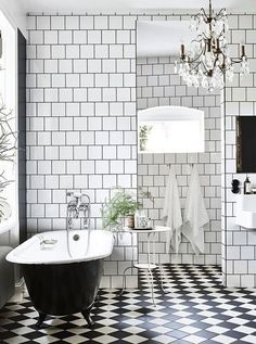 Banheiro preto e branco