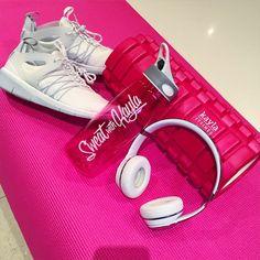 Kayla Itsines @kayla_itsines Gym time foam...Instagram photo | Websta (Webstagram)