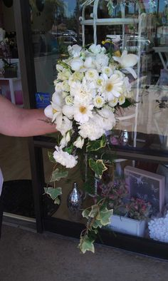 www.flowerhillflowers.com #fhflowers  #cascadebridalbqt