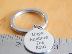 Hope Anchors The Soul keychain - 20mm round - Inspirational Jewelry - Gift Under 20 par FamilyHouseStampin sur Etsy https://www.etsy.com/ca-fr/listing/466423806/hope-anchors-the-soul-keychain-20mm