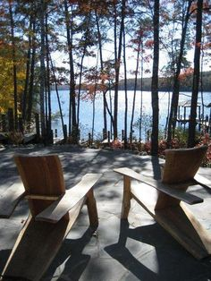 Nadire Atas on Luxury Living and Dream Homes Pull up a chair & surrender Lake Cabins, Cabins And Cottages, Lakeside Living, Outdoor Living, Lake Cottage, Lake George, Pause, Cabins In The Woods, Backyard Landscaping