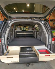 Turn your minivan with the Roadloft Camper Conversion Kit in just a few minutes without any permanent modification. Minivan Camper Conversion, Suv Camper, Build A Camper Van, Mini Camper, Camper Life, Auto Camping, Truck Bed Camping, Minivan Camping, Honda Odyssey