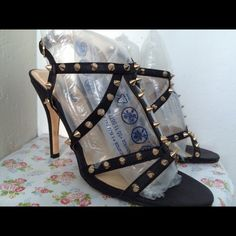 Spiked hi - heels Missing one spike. Forever 21 Shoes Heels