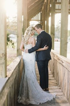 Wedding Photography Inspiration : romantic sunset wedding photo idea