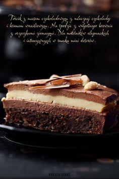 Chocolate mousse mini torte